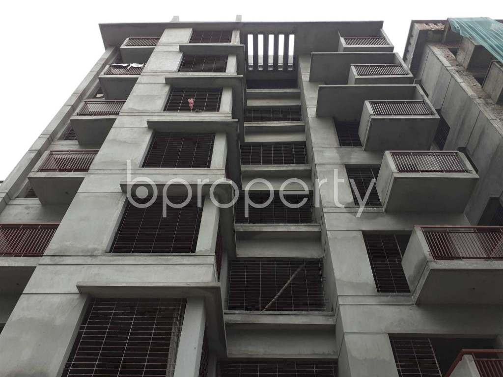 Front view - 3 Bed Apartment for Sale in Bashundhara R-A, Dhaka - 1927528