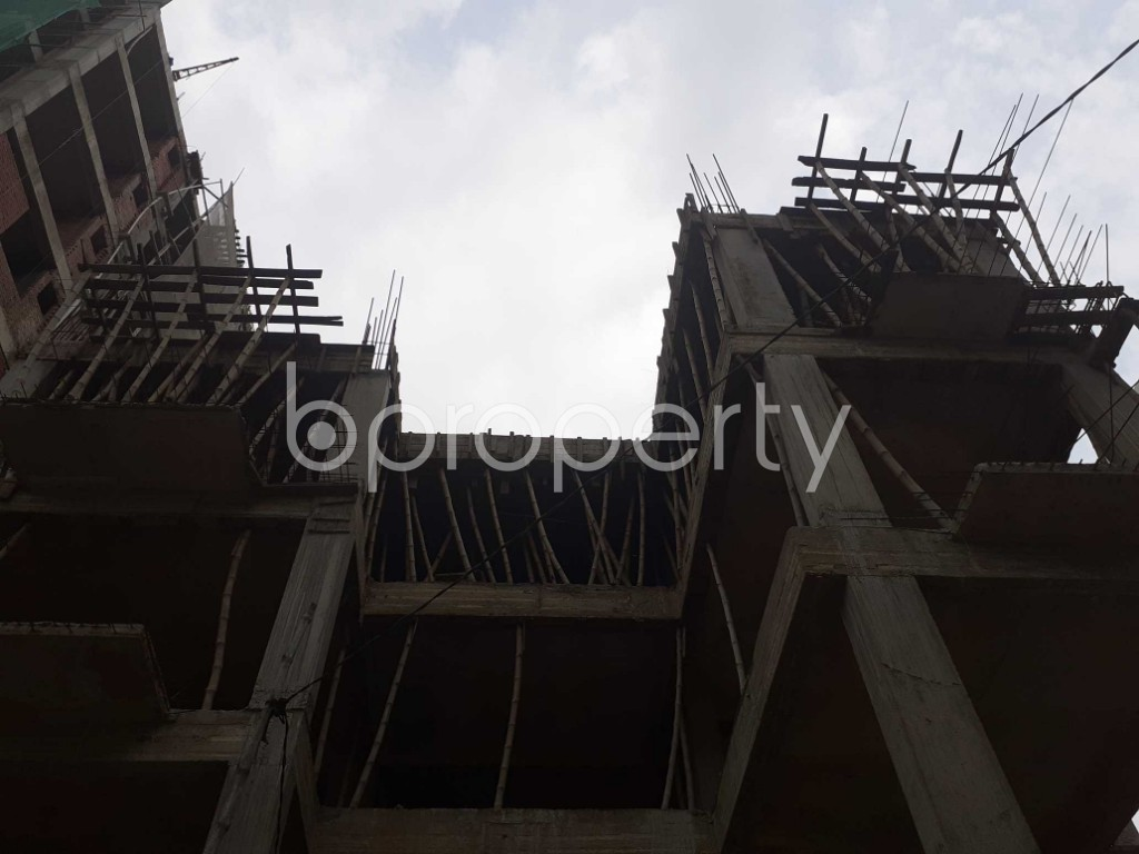 Front view - 3 Bed Apartment for Sale in Bashundhara R-A, Dhaka - 1928053