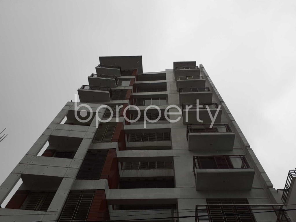 Front view - 3 Bed Apartment for Sale in Bashundhara R-A, Dhaka - 1928160