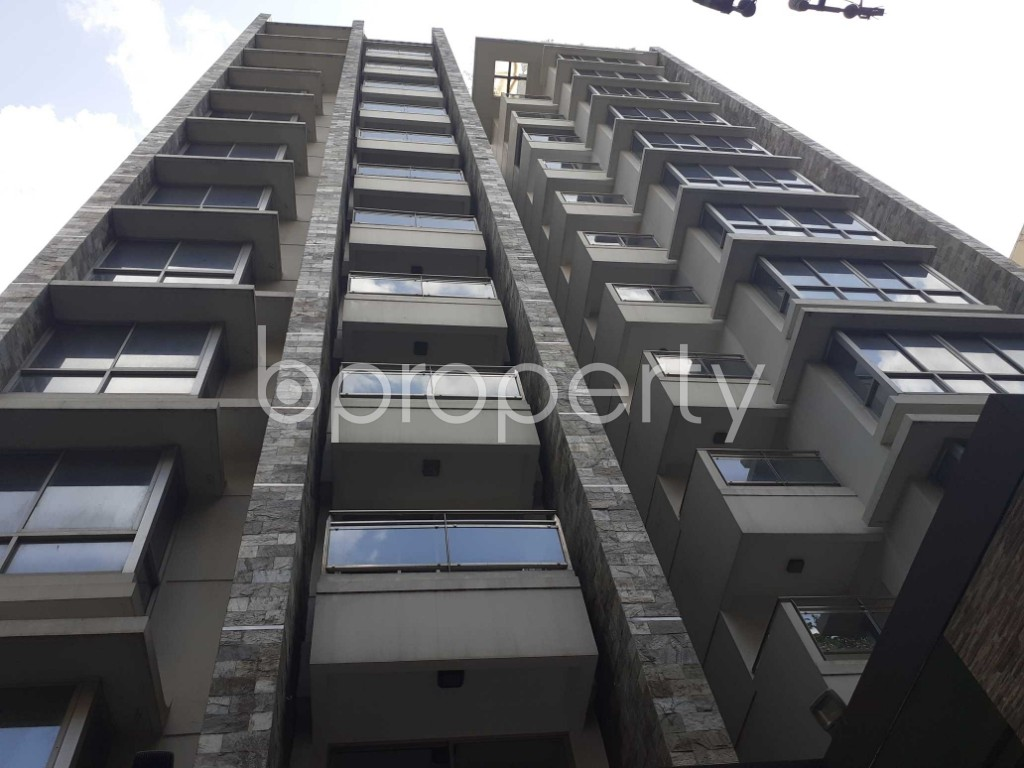Front view - 3 Bed Apartment to Rent in Gulshan, Dhaka - 1928555