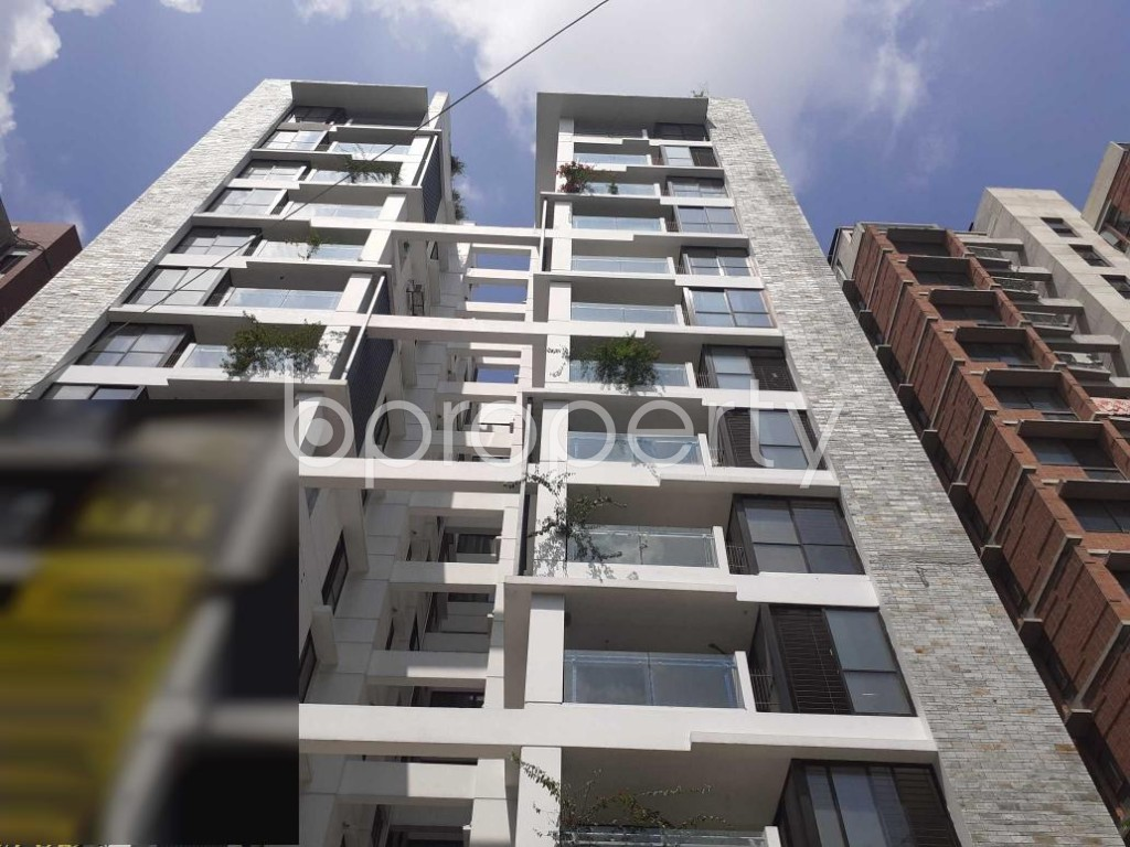 Front view - 3 Bed Apartment for Sale in Dhanmondi, Dhaka - 1928803