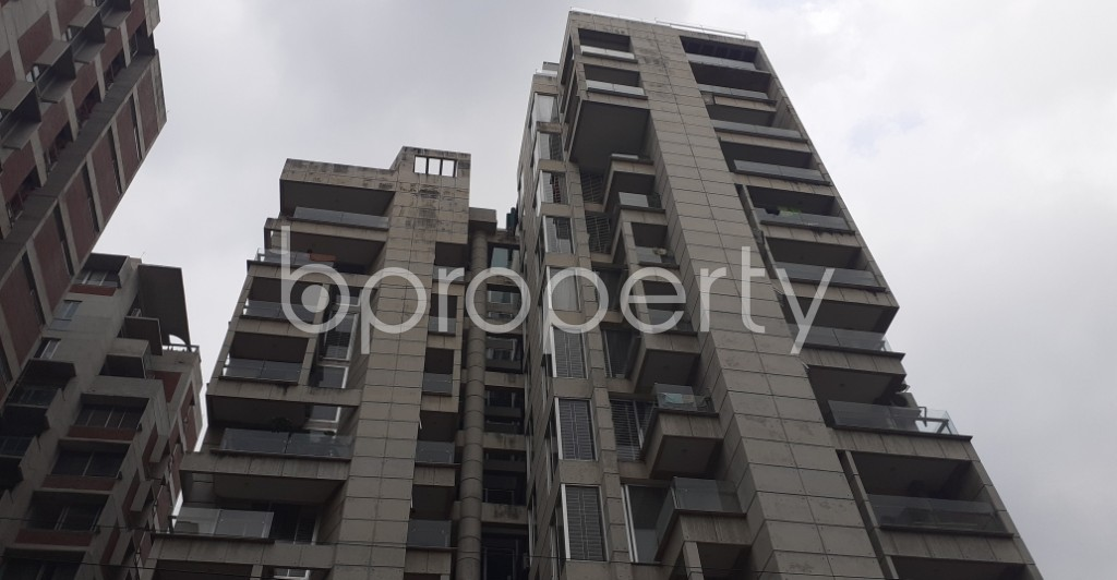 Front view - 4 Bed Apartment to Rent in Gulshan, Dhaka - 1929078