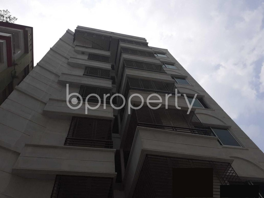 Front view - 3 Bed Apartment for Sale in Bashundhara R-A, Dhaka - 1929243