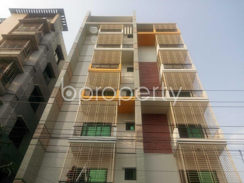 Front view - 18 Bed Building for Sale in Aftab Nagar, Dhaka - 1929366