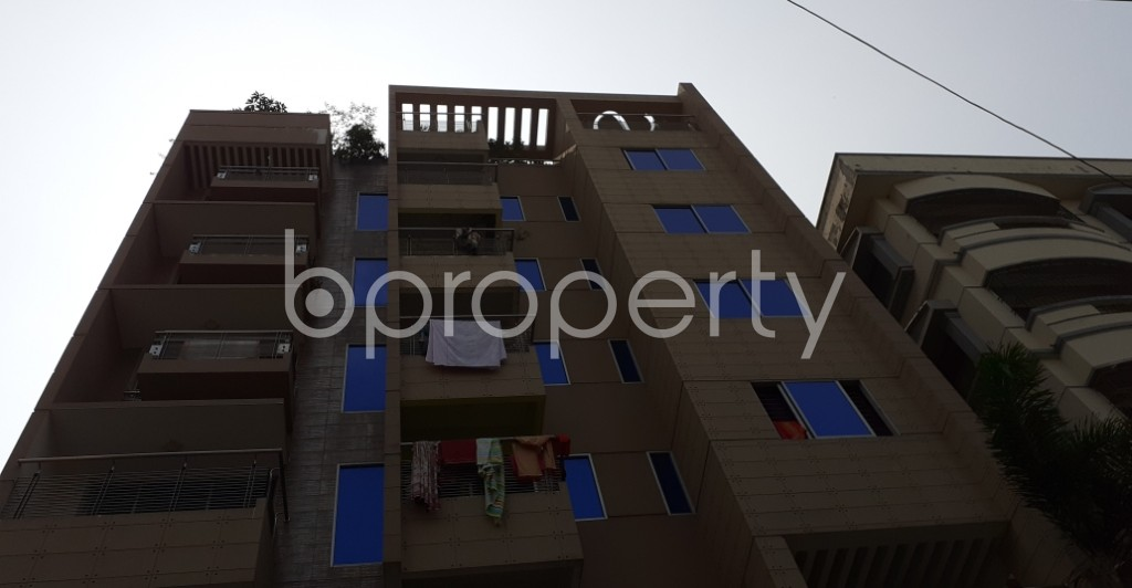 Front view - 3 Bed Apartment to Rent in Bashundhara R-A, Dhaka - 1930453