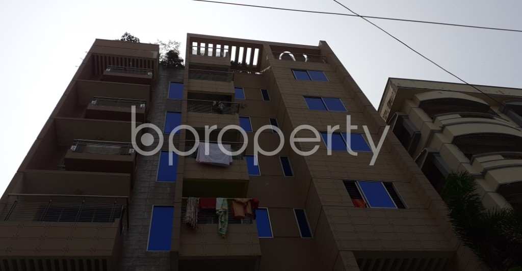 Front view - 3 Bed Apartment to Rent in Bashundhara R-A, Dhaka - 1930454