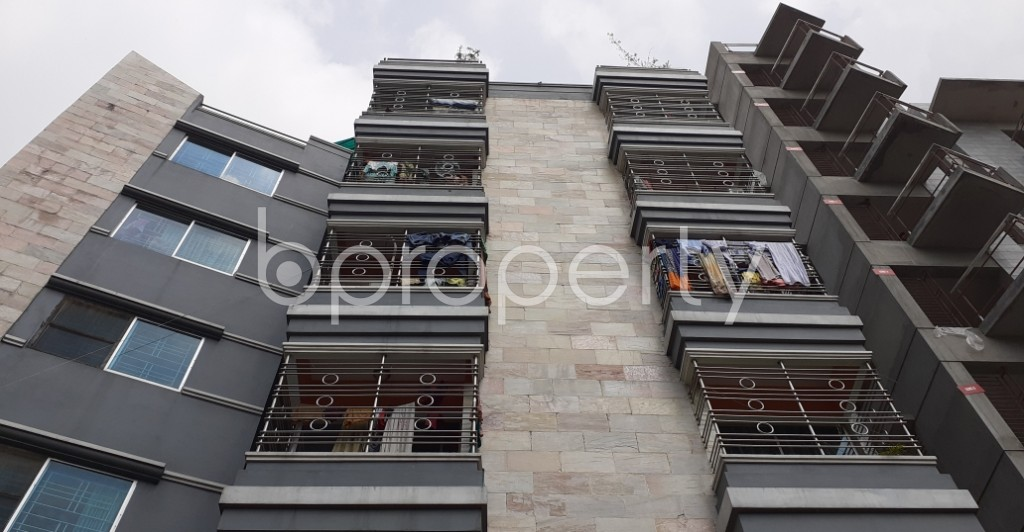 Front view - 3 Bed Apartment to Rent in Bashundhara R-A, Dhaka - 1930458