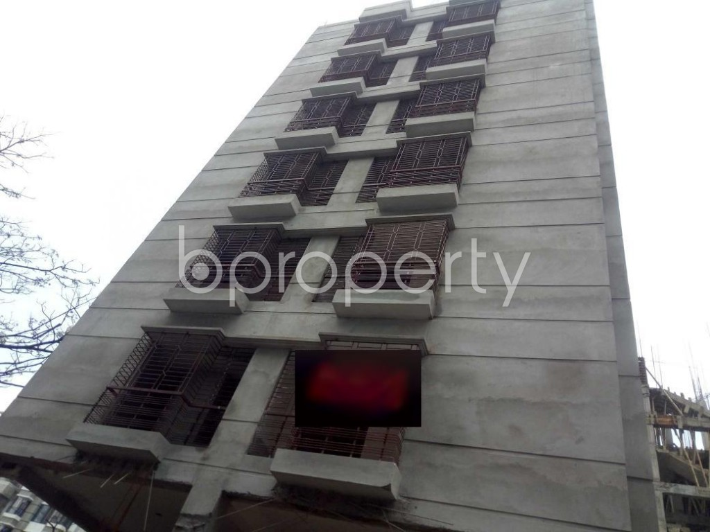 Front view - 3 Bed Apartment for Sale in Bashundhara R-A, Dhaka - 1930478