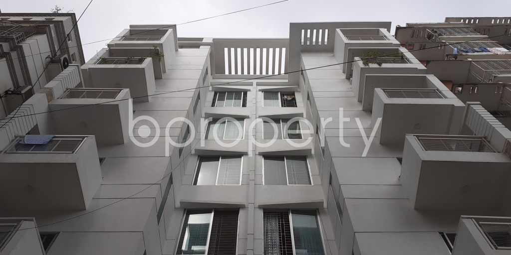 Front view - 3 Bed Apartment to Rent in Bashundhara R-A, Dhaka - 1930554