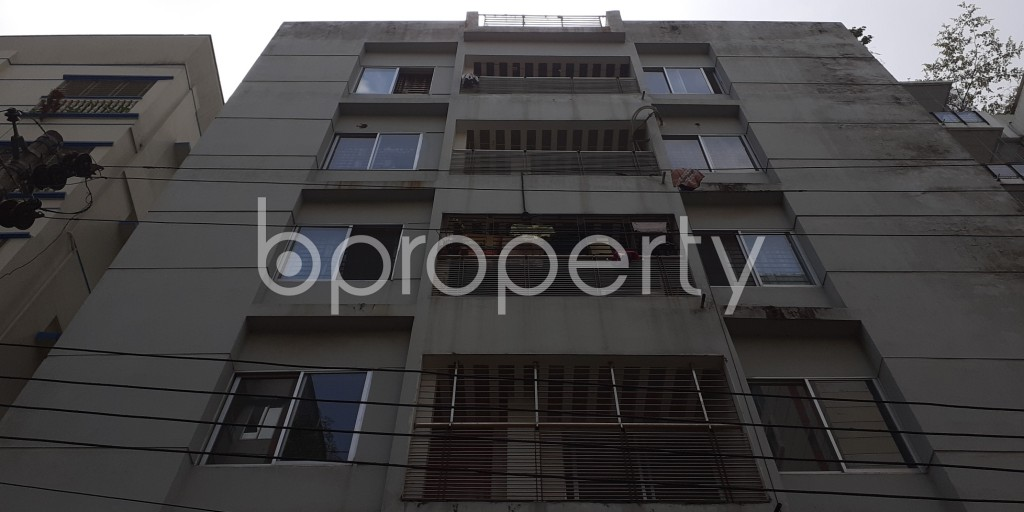 Front view - 3 Bed Apartment to Rent in Bashundhara R-A, Dhaka - 1930555