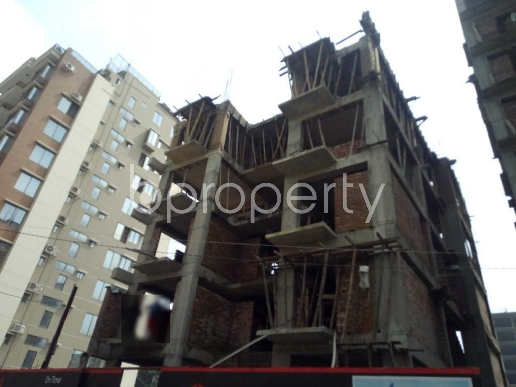 Front view - 4 Bed Apartment for Sale in Bashundhara R-A, Dhaka - 1930597