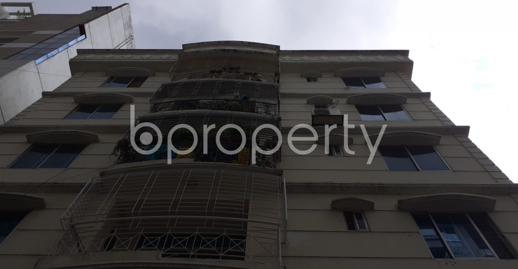Front view - 3 Bed Apartment to Rent in Bashundhara R-A, Dhaka - 1930774