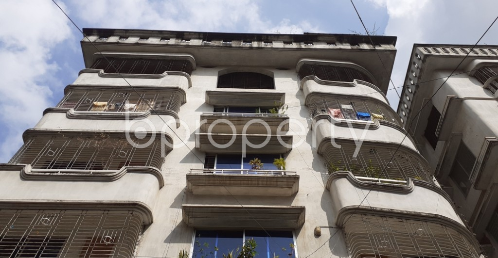 Front view - 3 Bed Apartment to Rent in Bashundhara R-A, Dhaka - 1930788