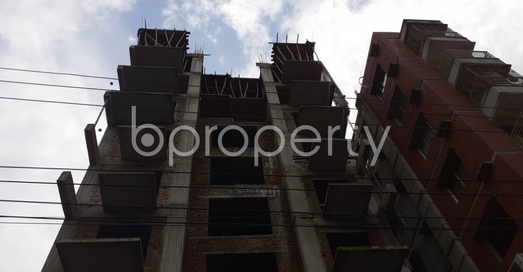 Front view - 4 Bed Apartment for Sale in Bashundhara R-A, Dhaka - 1930827