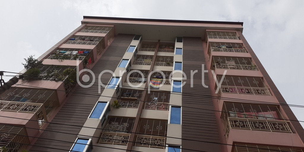 Front view - 3 Bed Apartment to Rent in Bashundhara R-A, Dhaka - 1931044