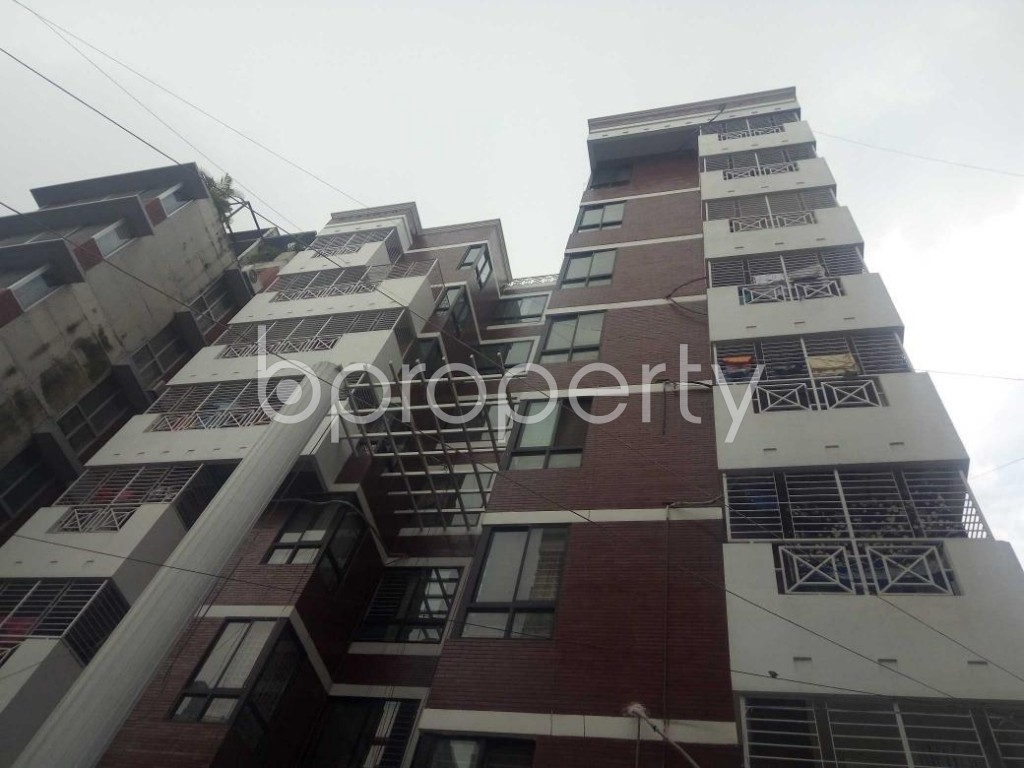 Front view - 3 Bed Apartment to Rent in Bashundhara R-A, Dhaka - 1931039