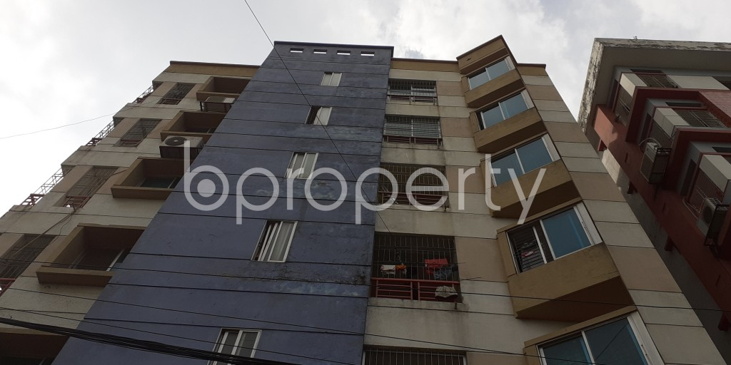 Front view - 3 Bed Apartment to Rent in Bashundhara R-A, Dhaka - 1931047