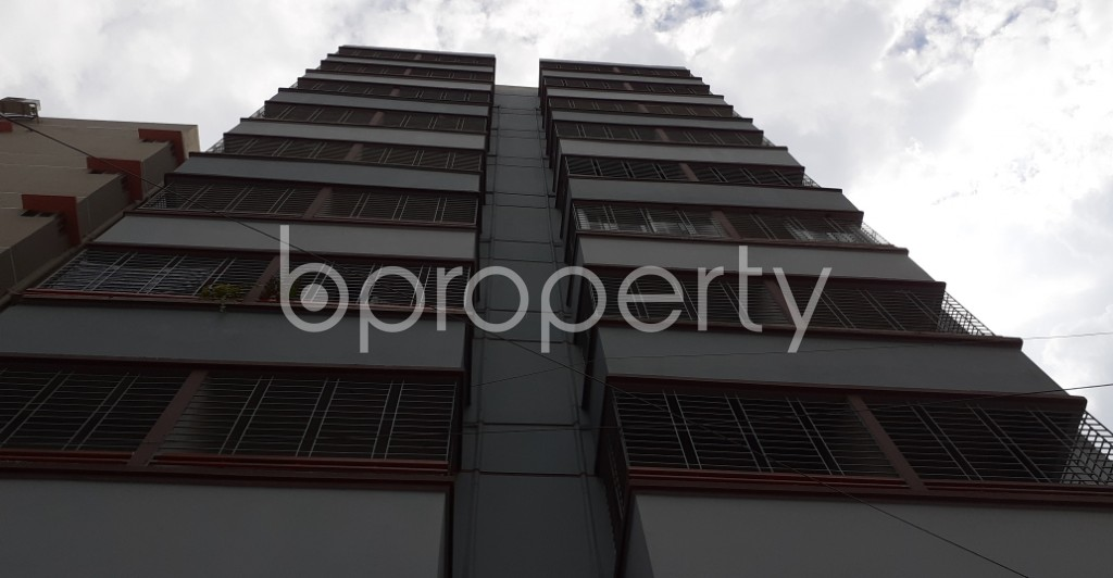Front view - 3 Bed Apartment to Rent in Mohammadpur, Dhaka - 1931073