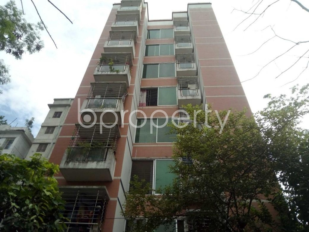 Front view - 3 Bed Apartment to Rent in Bashundhara R-A, Dhaka - 1931083