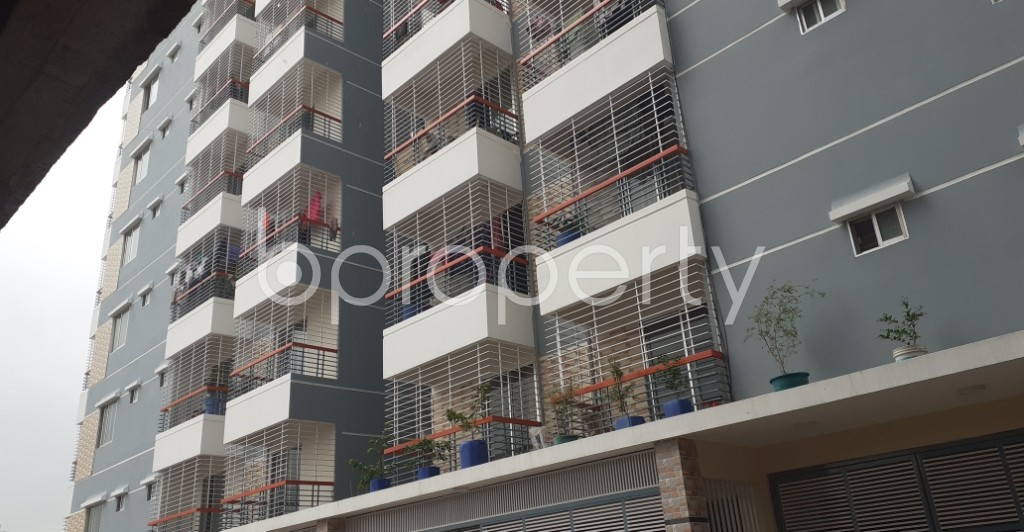 Front view - 3 Bed Apartment to Rent in Mohammadpur, Dhaka - 1931452