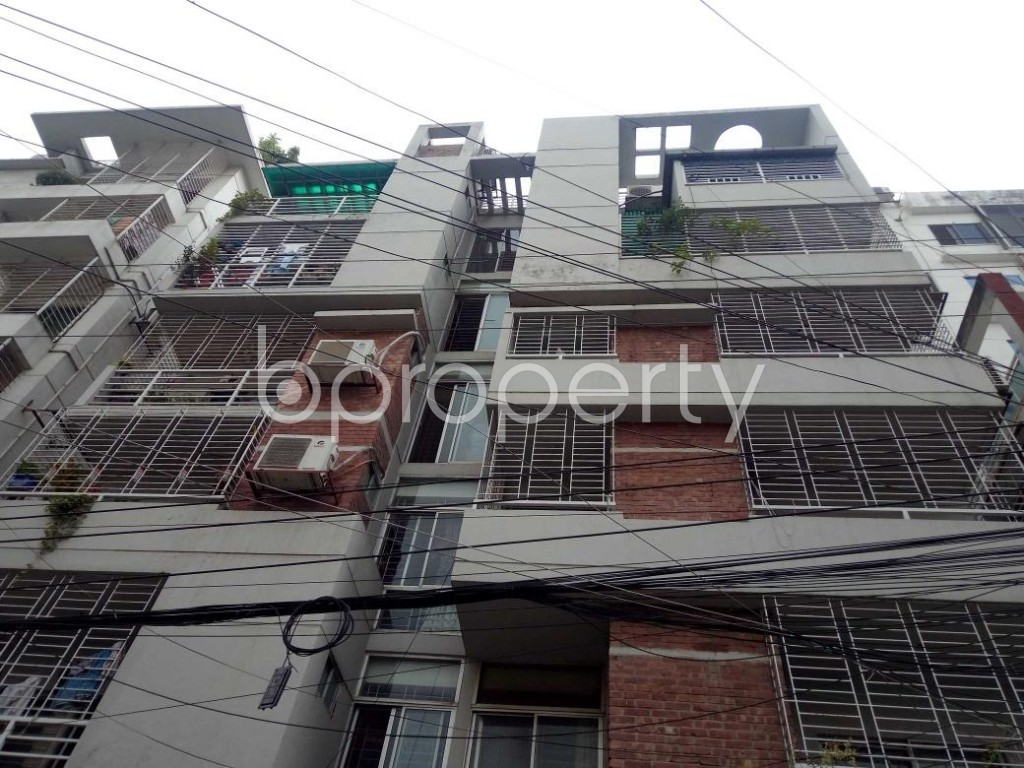 Front view - 3 Bed Apartment to Rent in Bashundhara R-A, Dhaka - 1931629