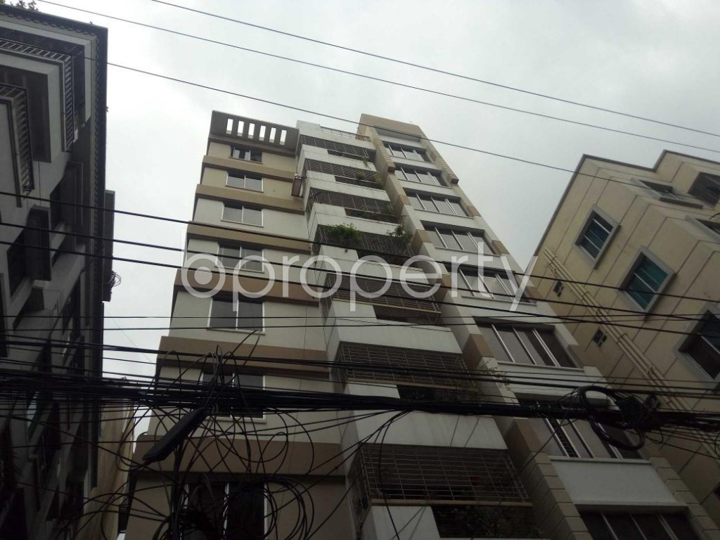 Front view - 3 Bed Apartment to Rent in Bashundhara R-A, Dhaka - 1931632