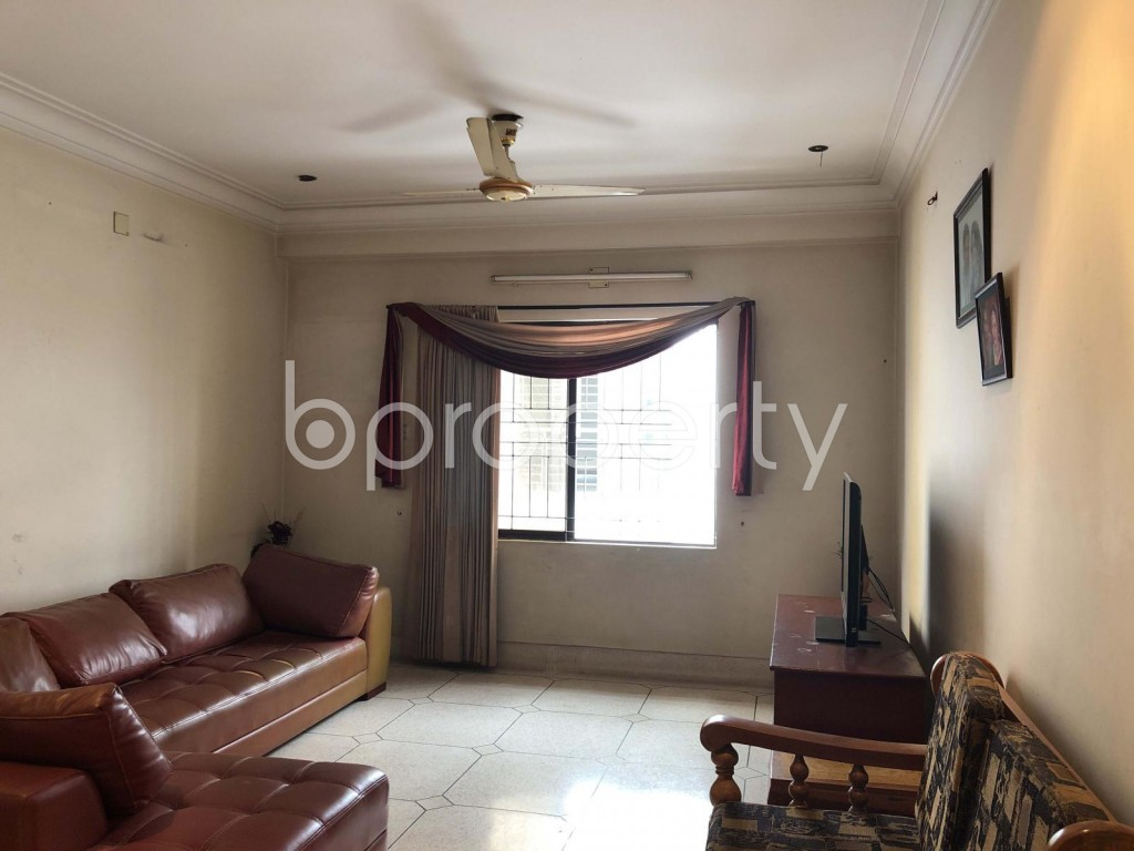 Empty Room - 4 Bed Apartment for Sale in Dhanmondi, Dhaka - 1910813