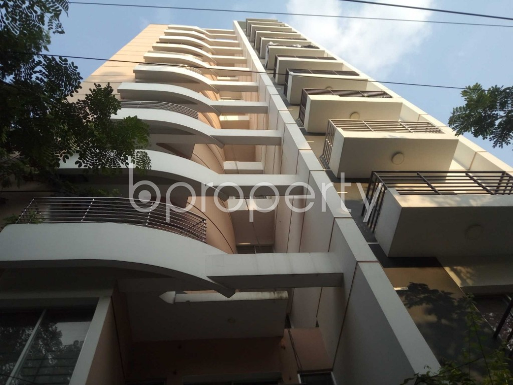 Front view - 3 Bed Apartment for Sale in Bashundhara R-A, Dhaka - 1932301