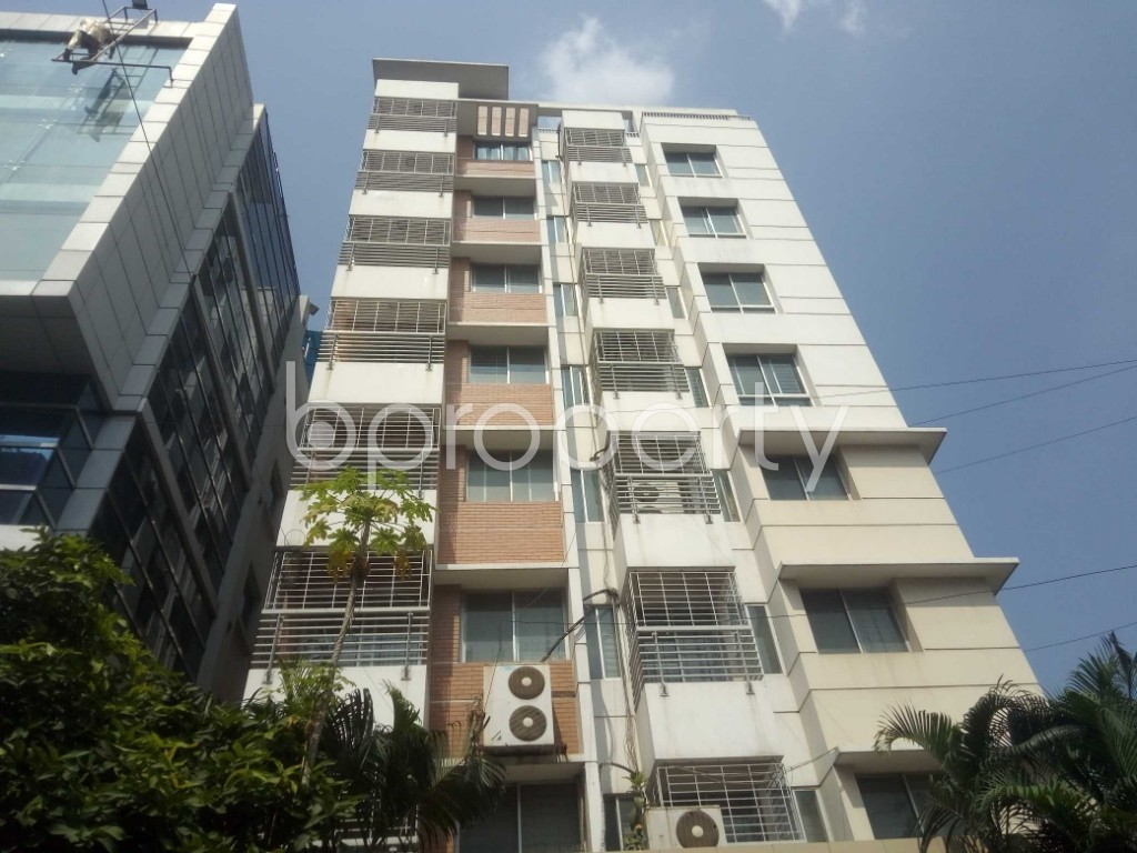 Outside view - 3 Bed Apartment to Rent in Baridhara, Dhaka - 1934716