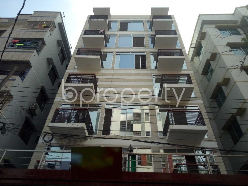Front view - 5 Bed Duplex to Rent in Bashundhara R-A, Dhaka - 1935461
