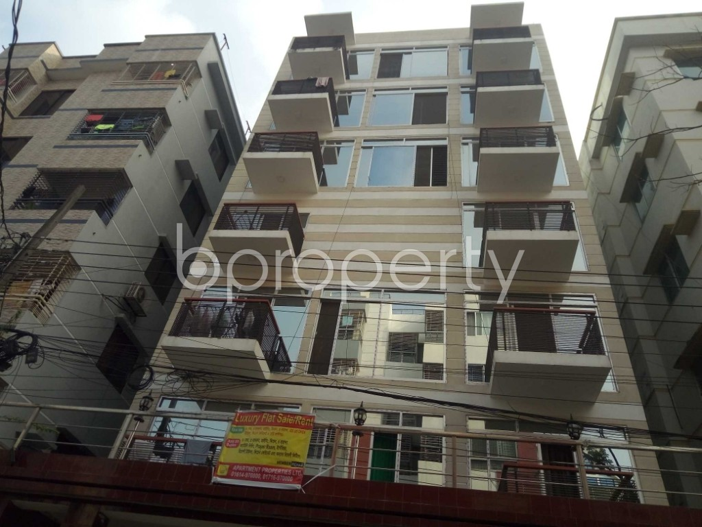Front view - 5 Bed Apartment for Sale in Bashundhara R-A, Dhaka - 1935686