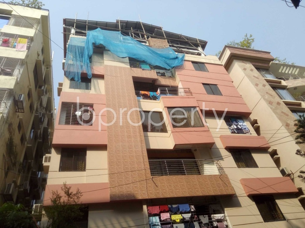 Front view - 4 Bed Apartment to Rent in Baridhara DOHS, Dhaka - 1935824