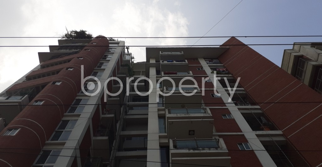 Front view - 3 Bed Apartment for Sale in Bashundhara R-A, Dhaka - 1936938