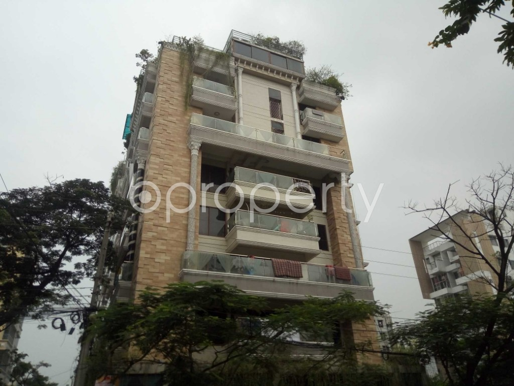 Front view - 4 Bed Duplex to Rent in Bashundhara R-A, Dhaka - 1937204