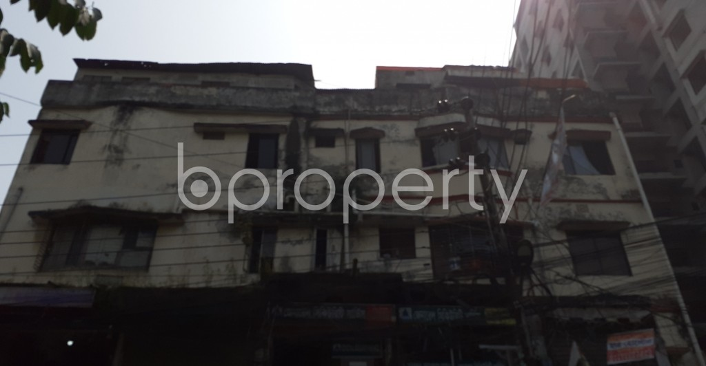 Front view - 47 Bed Building for Sale in Dhanmondi, Dhaka - 1937330