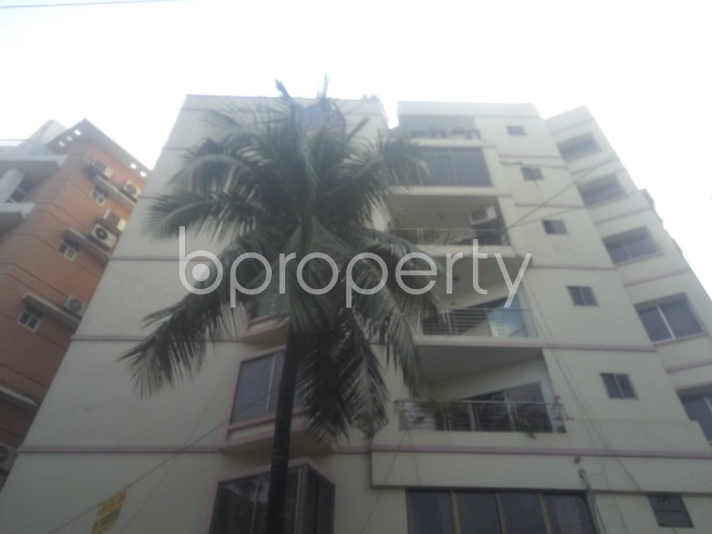 Outside view - 3 Bed Apartment to Rent in Baridhara, Dhaka - 1941168