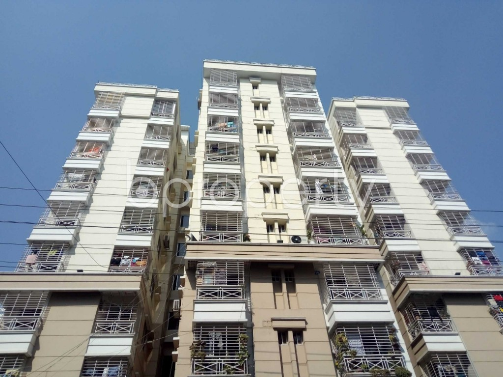 Front view - 4 Bed Duplex to Rent in Bashundhara R-A, Dhaka - 1942840