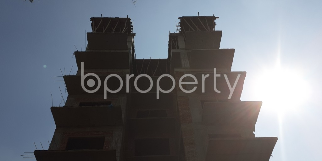 Front view - 4 Bed Apartment for Sale in Bashundhara R-A, Dhaka - 1942873