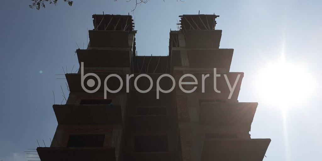 Front view - 4 Bed Apartment for Sale in Bashundhara R-A, Dhaka - 1942874
