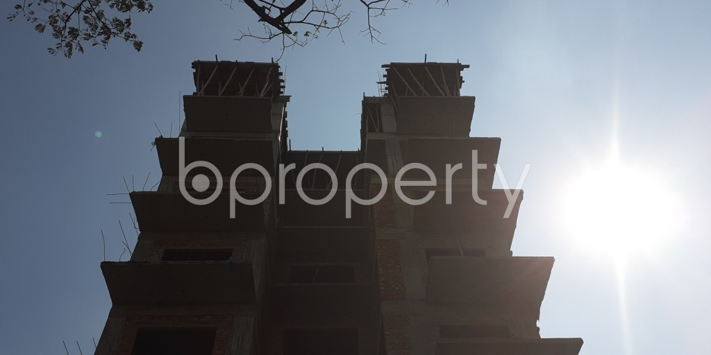 Front view - 4 Bed Apartment for Sale in Bashundhara R-A, Dhaka - 1942875