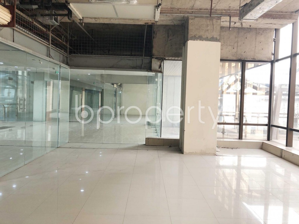 Commercial inside - Shop to Rent in Bashundhara R-A, Dhaka - 1923538