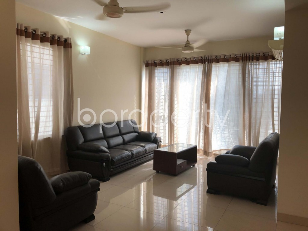 Empty Room - 3 Bed Apartment to Rent in Banani, Dhaka - 1927179