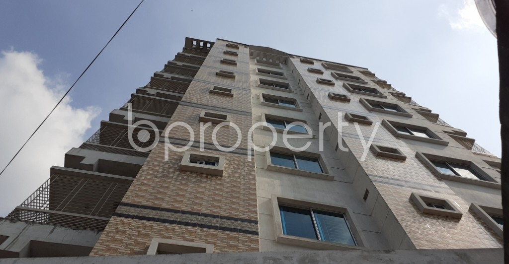 Outside view - 3 Bed Apartment to Rent in Dhanmondi, Dhaka - 1943438