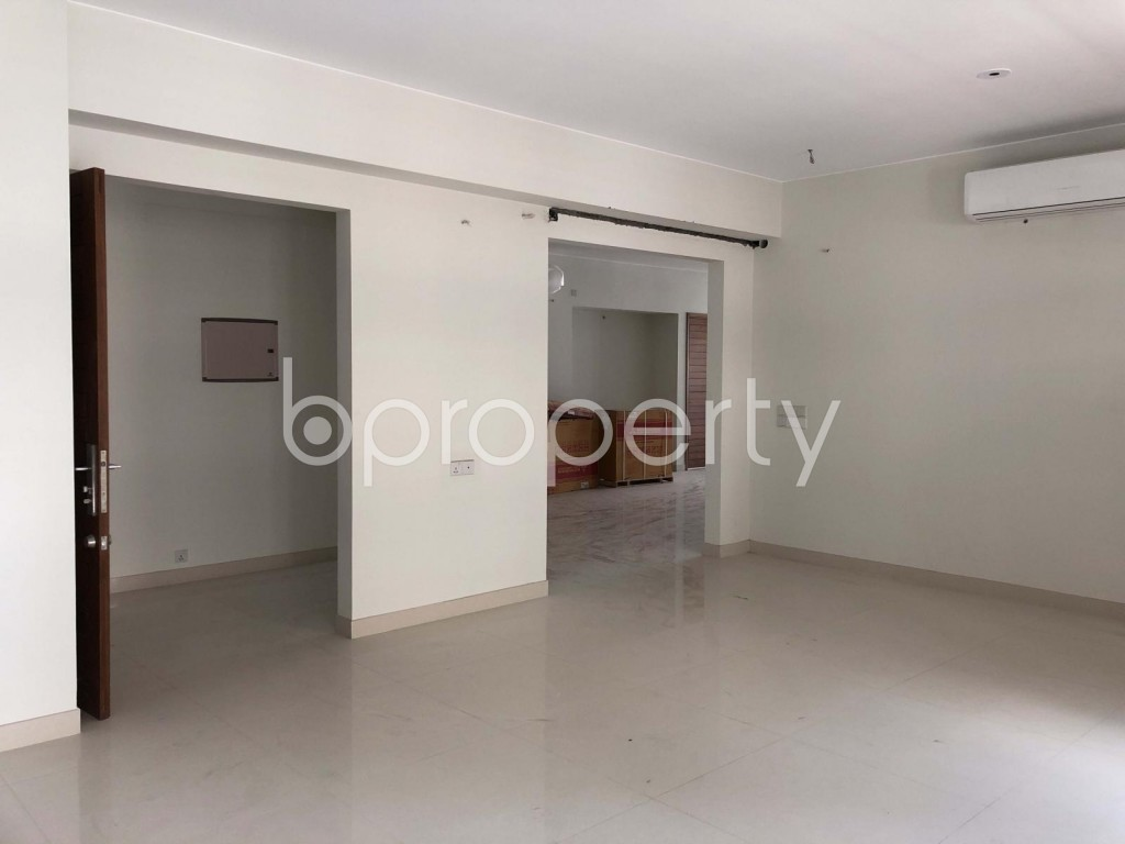 Empty Room - 4 Bed Apartment to Rent in Gulshan, Dhaka - 1929701