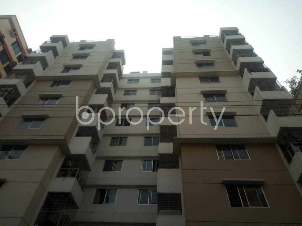 Front view - 3 Bed Apartment to Rent in Bashundhara R-A, Dhaka - 1943858