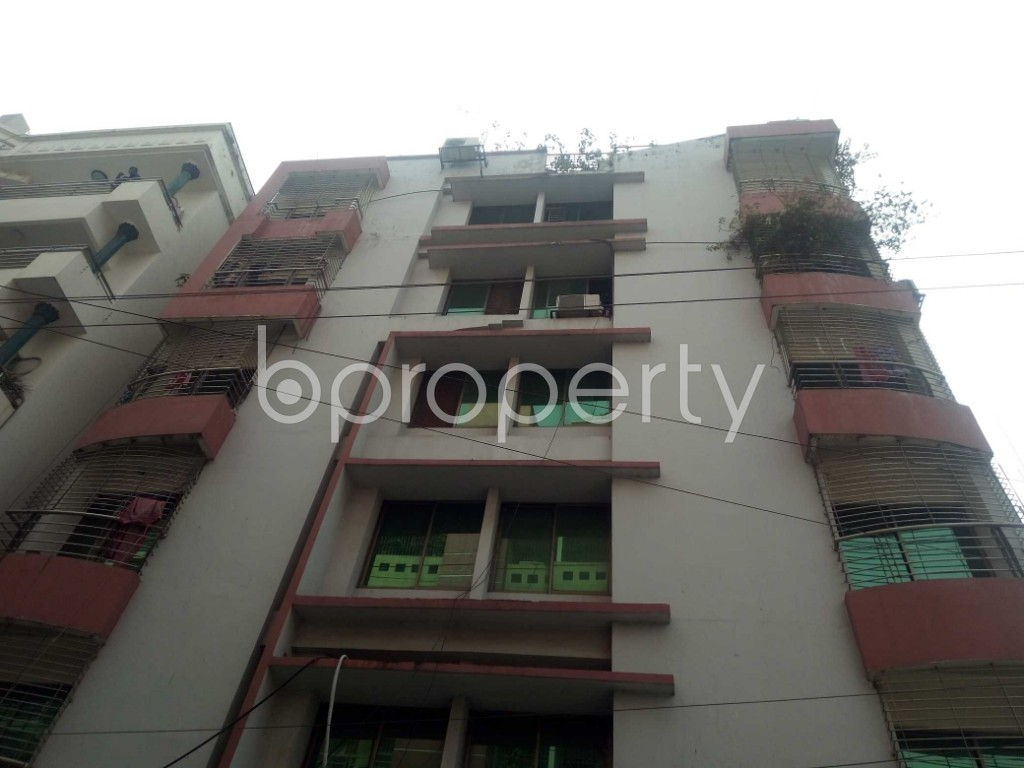 Front view - 3 Bed Apartment to Rent in Bashundhara R-A, Dhaka - 1943865