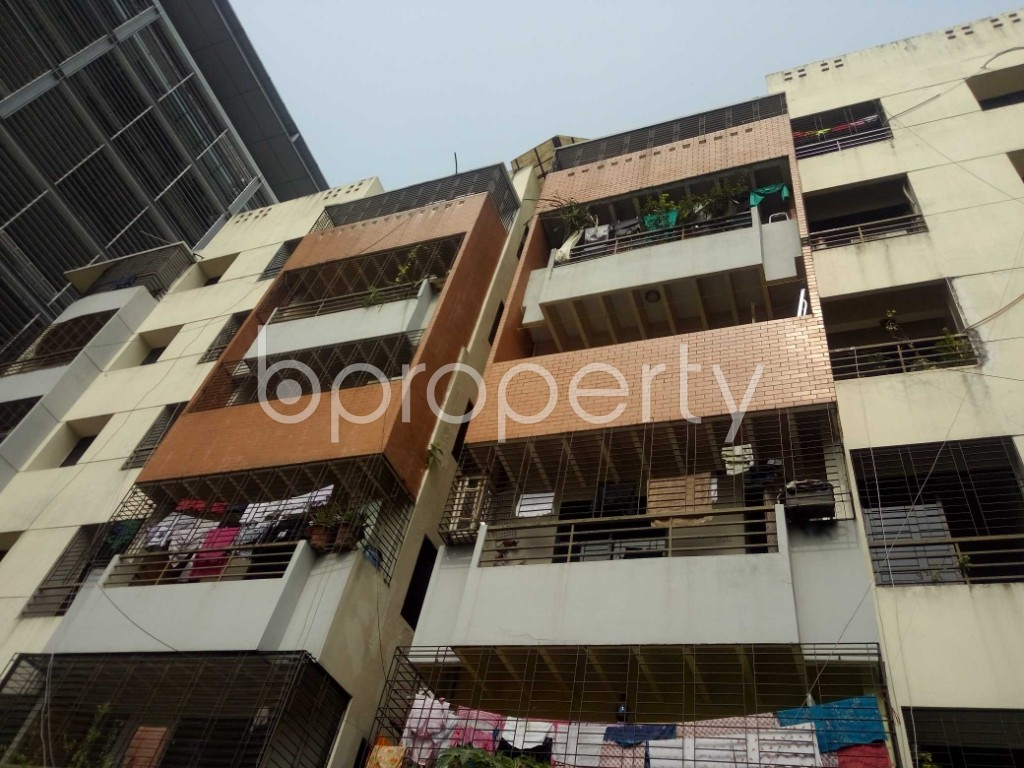 Front view - 3 Bed Apartment to Rent in Bashundhara R-A, Dhaka - 1943867