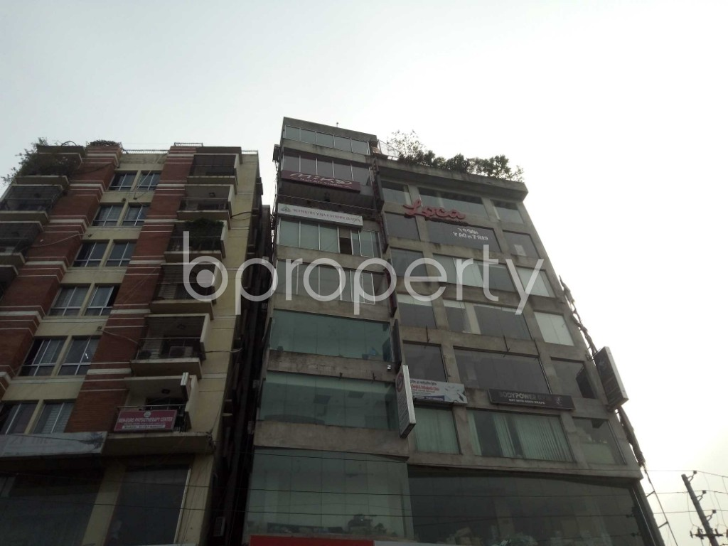 Front view - 2 Bed Apartment to Rent in Bashundhara R-A, Dhaka - 1943878