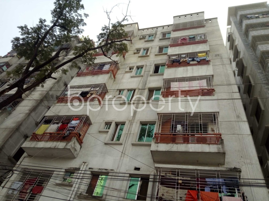 Front view - 3 Bed Apartment to Rent in Bashundhara R-A, Dhaka - 1943964