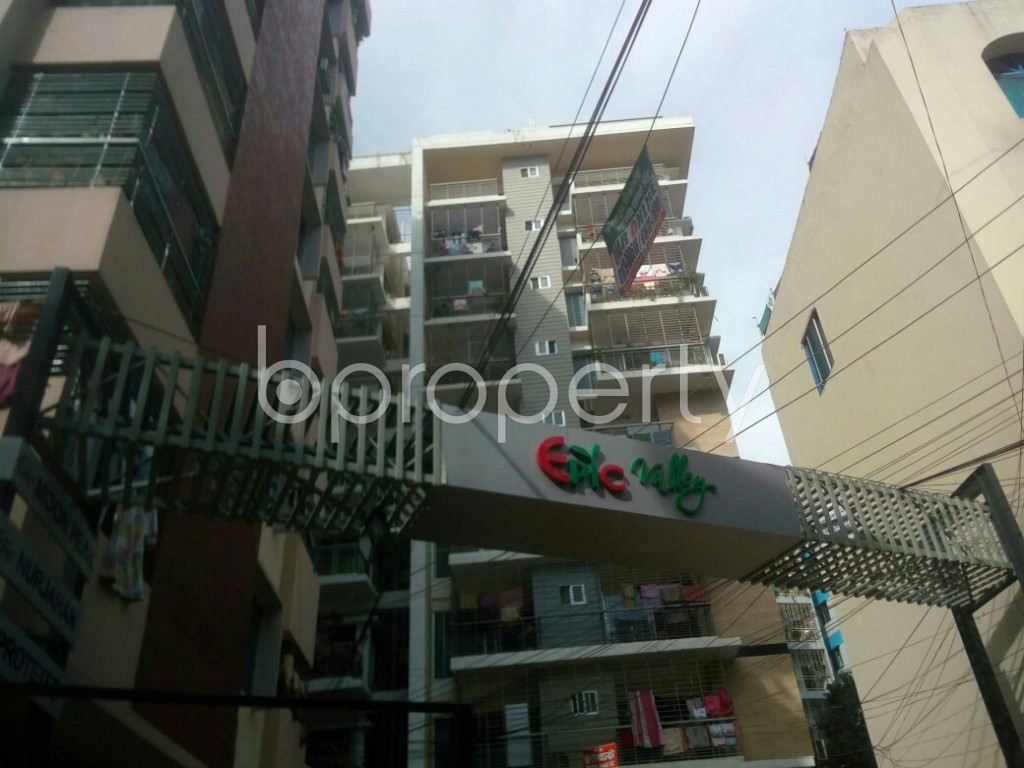Front view - 3 Bed Apartment to Rent in 16 No. Chawk Bazaar Ward, Chattogram - 1943987